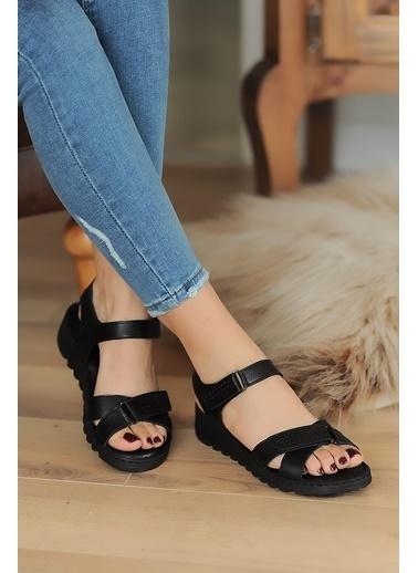 Pembe Potin A041-20 Kadın Sandalet Siyah
